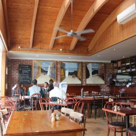 La Bimba: Beautiful restaurant overlooking the sea by Great Ocean Road