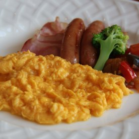 Here comes the main course, really hearty breakfast