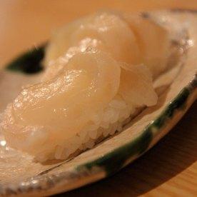 Hotate sushi - super shiok! I love fresh scallops and this is good stuff!