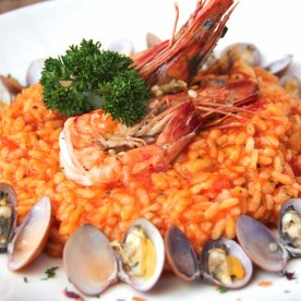 Seafood risotto - I've not had a good risotto since my trip to Italy but I'm happy to say, this tastes authentic and good!