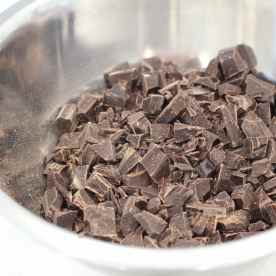 Chop up 400g of chocolate into tiny pieces.