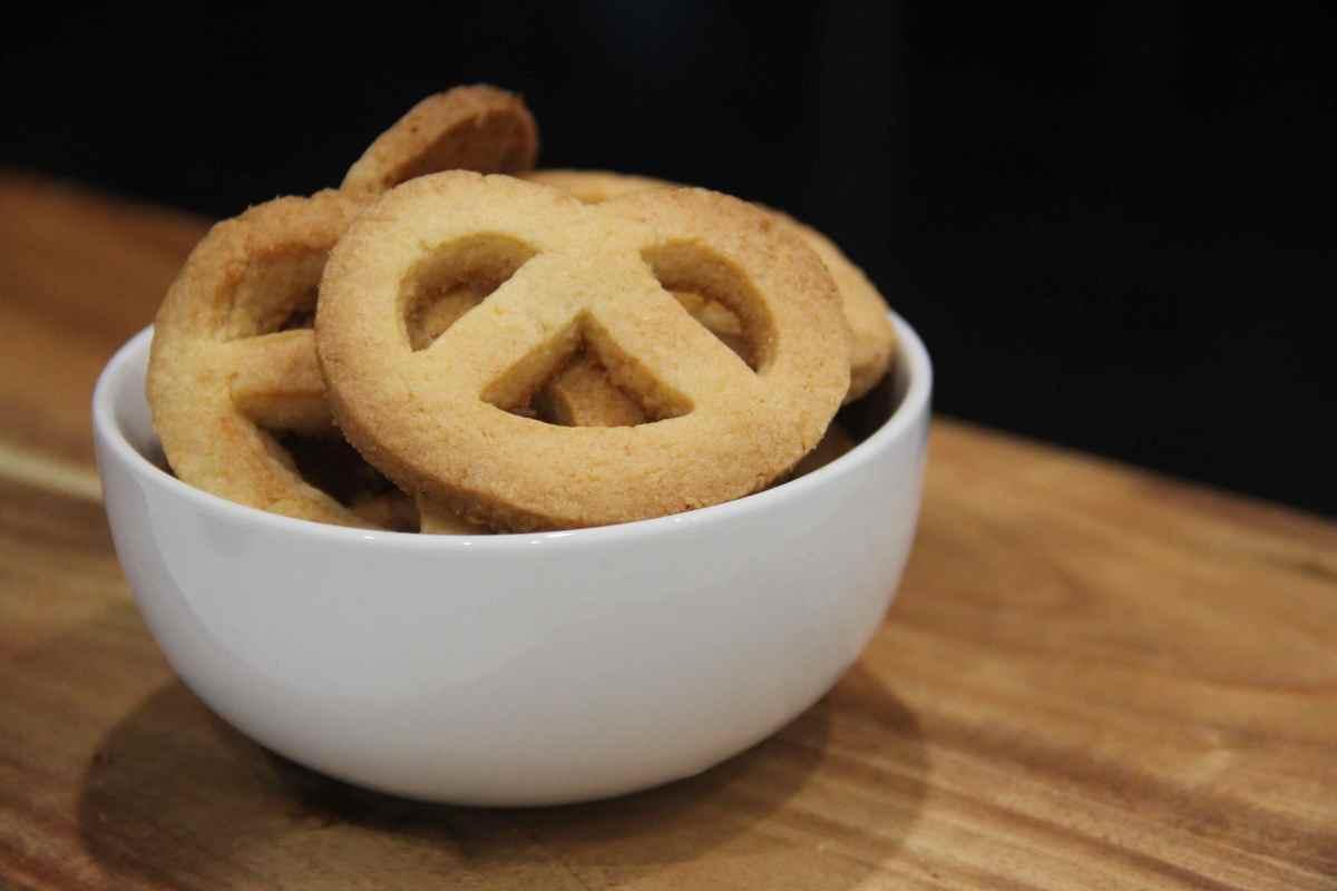 Coconut pretzel cookies